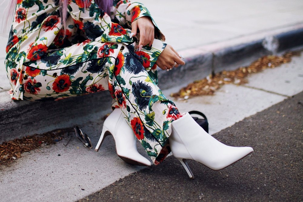 H&M Floral Trousers-Forever 21 White Ankle Boots-Aika's Love Closet-Seattle Fashion Style Blogger-japanese-petite