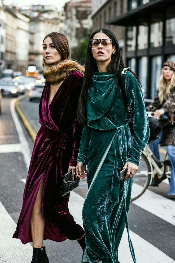 Top Velvet Fashion Trends for winter- aika's Love closet-japanese-seattle style fashion blogger-colored hair- burgundy and green velvet dress - street snap.jpg