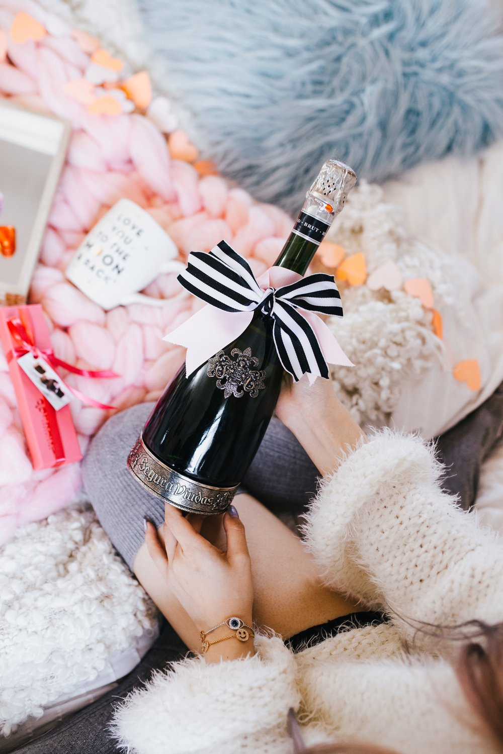 Segura Viudas Heredad Brut Reserva-I love you to the moon & back-heart chocolate-heart mini garland-Aika Yokoyama-AIkas Love Closet-heart ballons-special gift-galantine's day-valentine's day-sparkling wine-small room-chunky blanket-pink hair-fur pillow-chunky throw-japanese-lifestyle and style blogger-inspiration-seattle 22