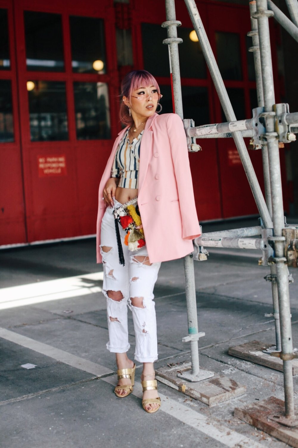 River Island Pink double breasted style blazer-River Island Yellow stripe denim wrap frayed trim crop top-Zara White distressed boyfriend jeans-River Island Black embellished jacquard pouch clutch bag-Clear plastic glitter hoop earrings-Gold open toe cone heel mule-ZeroUV Retro Triangle Cat Eye Sunglasses-Aikas Love Closet-Seattle Fashion Blogger-Japanese-Pink Hair-petite fashion-street snap 12