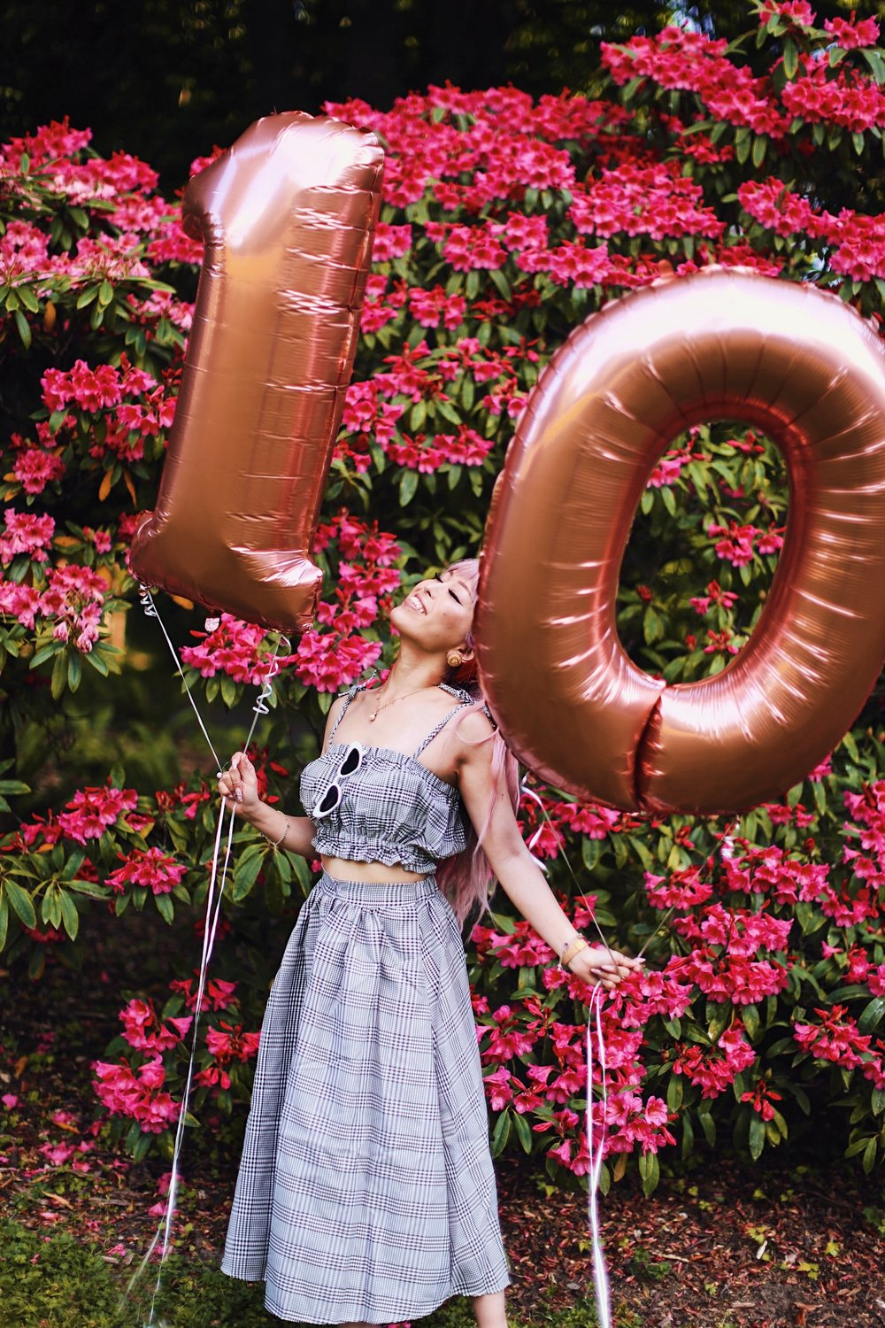 Aika's Love Closet-Seattle Style Life Style Blogger-Japanese-10 Year Anniversary-living in America-what I've learned from Living Abroad-life lessons-pink hair-zero uv heart sunglasses-rose gold balloons-smile 2