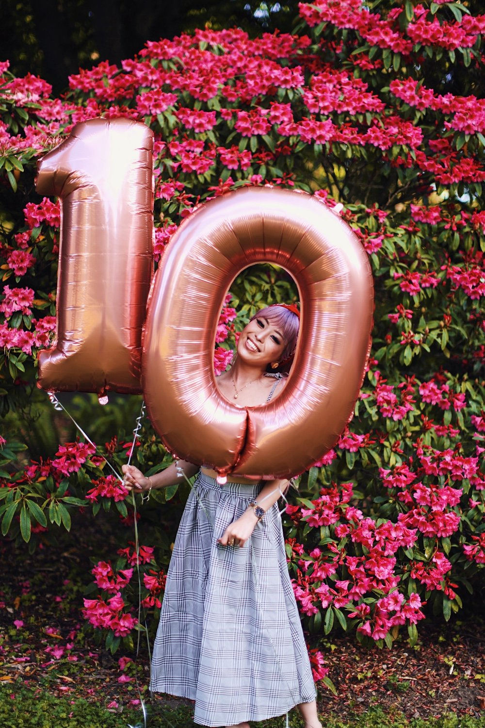 Aika's Love Closet-Seattle Style Life Style Blogger-Japanese-10 Year Anniversary-living in America-what I've learned from Living Abroad-life lessons-pink hair-zero uv heart sunglasses-rose gold balloons-smile 4