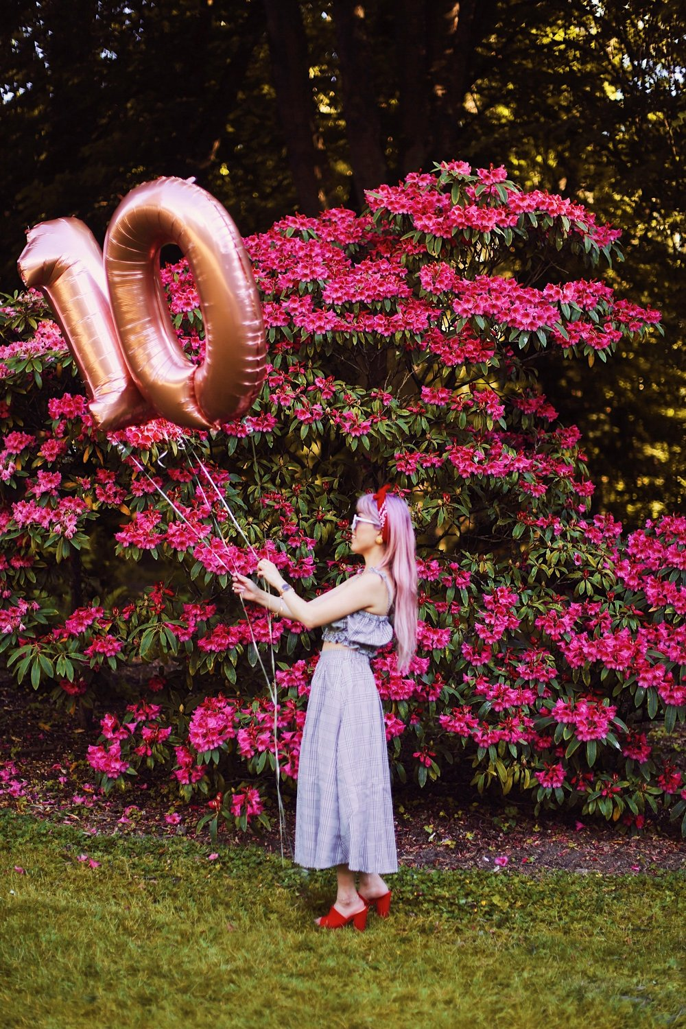 Aika's Love Closet-Seattle Style Life Style Blogger-Japanese-10 Year Anniversary-living in America-what I've learned from Living Abroad-life lessons-pink hair-zero uv heart sunglasses-rose gold balloons-smile 6
