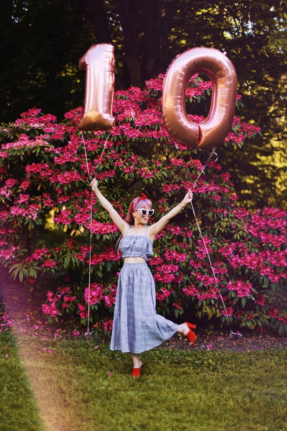 Aika's Love Closet-Seattle Style Life Style Blogger-Japanese-10 Year Anniversary-living in America-what I've learned from Living Abroad-life lessons-pink hair-zero uv heart sunglasses-rose gold balloons-smile 11