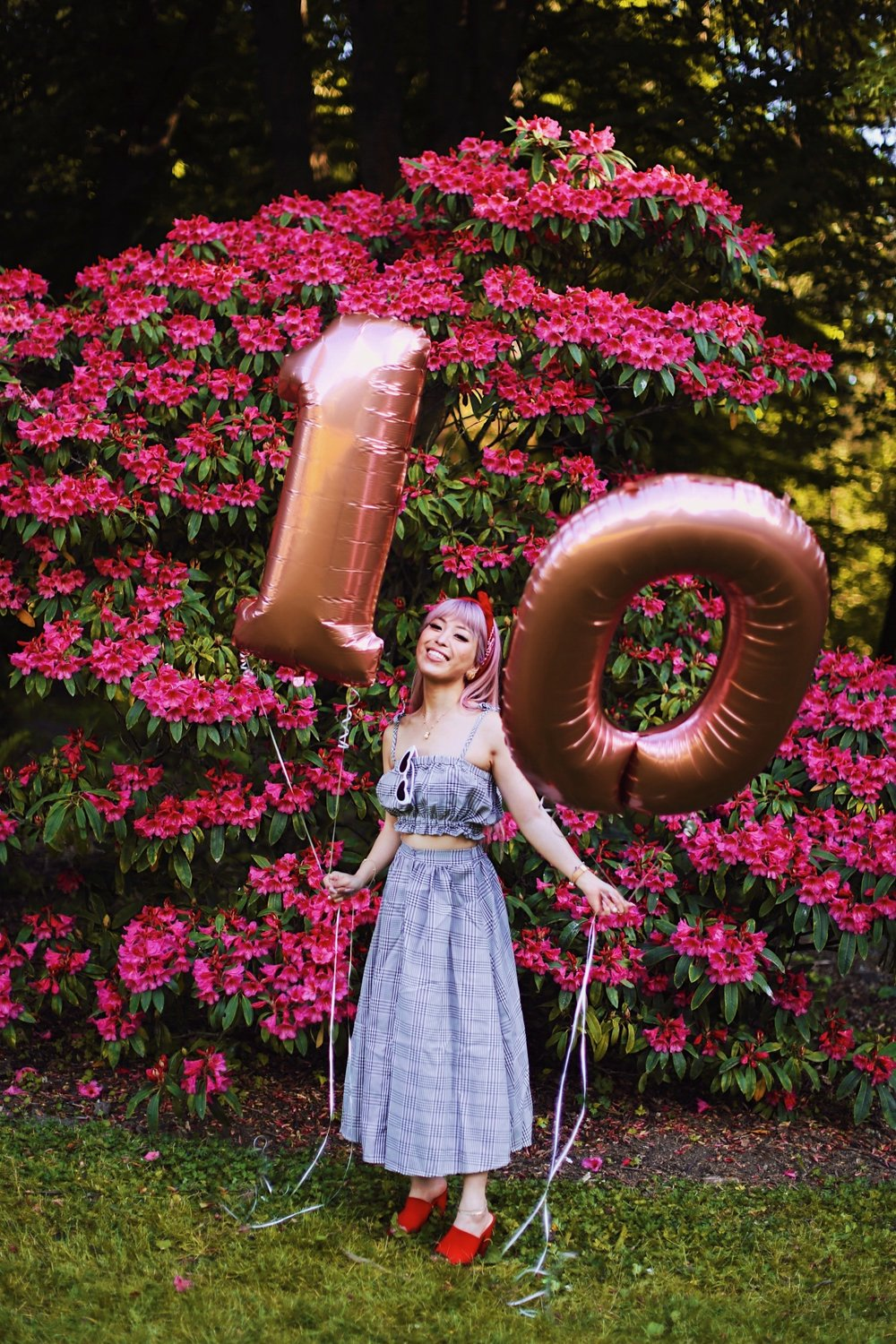Aika's Love Closet-Seattle Style Life Style Blogger-Japanese-10 Year Anniversary-living in America-what I've learned from Living Abroad-life lessons-pink hair-zero uv heart sunglasses-rose gold balloons-smile 14