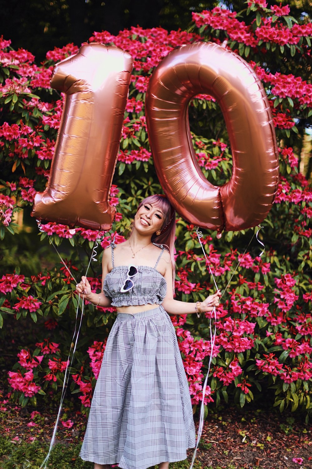 Aika's Love Closet-Seattle Style Life Style Blogger-Japanese-10 Year Anniversary-living in America-what I've learned from Living Abroad-life lessons-pink hair-zero uv heart sunglasses-rose gold balloons-smile 18