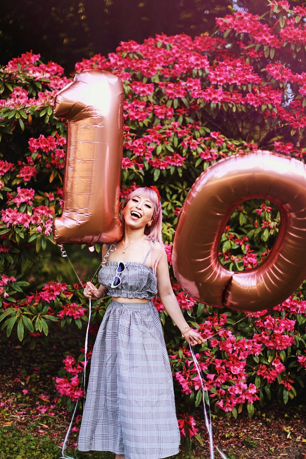 Aika's Love Closet-Seattle Style Life Style Blogger-Japanese-10 Year Anniversary-living in America-what I've learned from Living Abroad-life lessons-pink hair-zero uv heart sunglasses-rose gold balloons-smile 20
