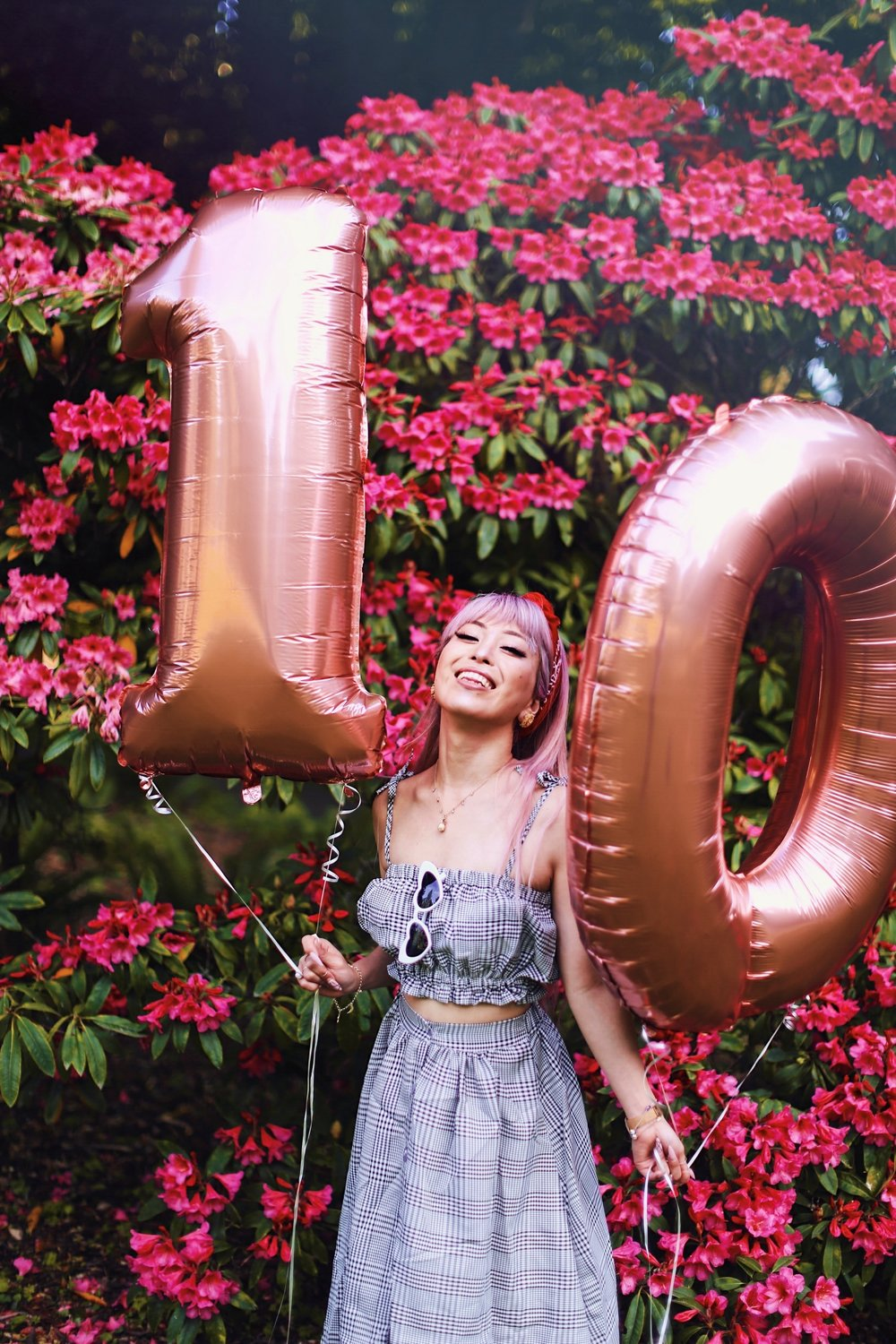 Aika's Love Closet-Seattle Style Life Style Blogger-Japanese-10 Year Anniversary-living in America-what I've learned from Living Abroad-life lessons-pink hair-zero uv heart sunglasses-rose gold balloons-smile 23