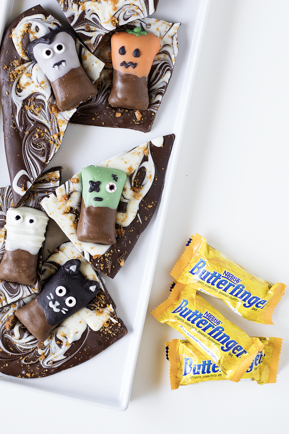 Halloween Butterfinger Bark | Sarah Makes Stuff