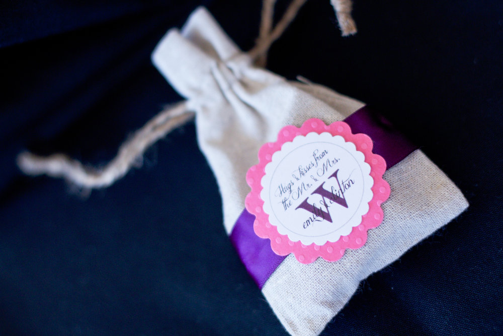 burlap-bag-wedding-favor