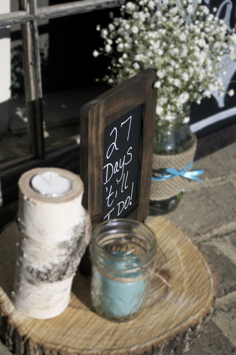 rustic-bridal-shower-entrance