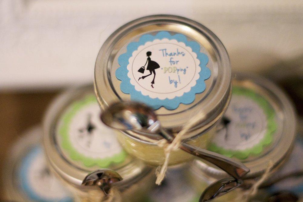mason-jar-cupcakes-favor.jpg