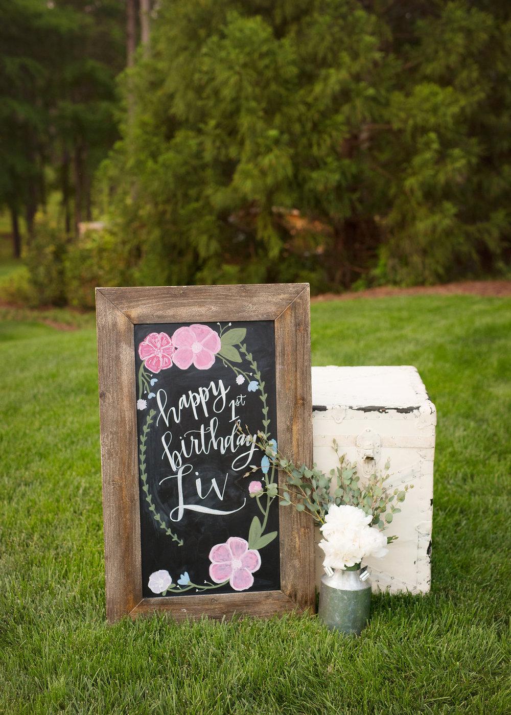 floral-chalkboard-sign