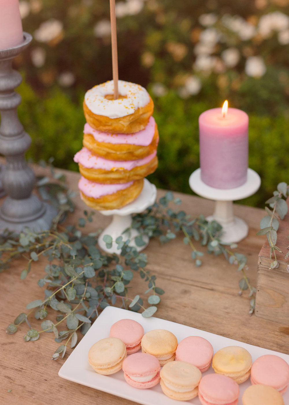 donut-towers-and-macarons