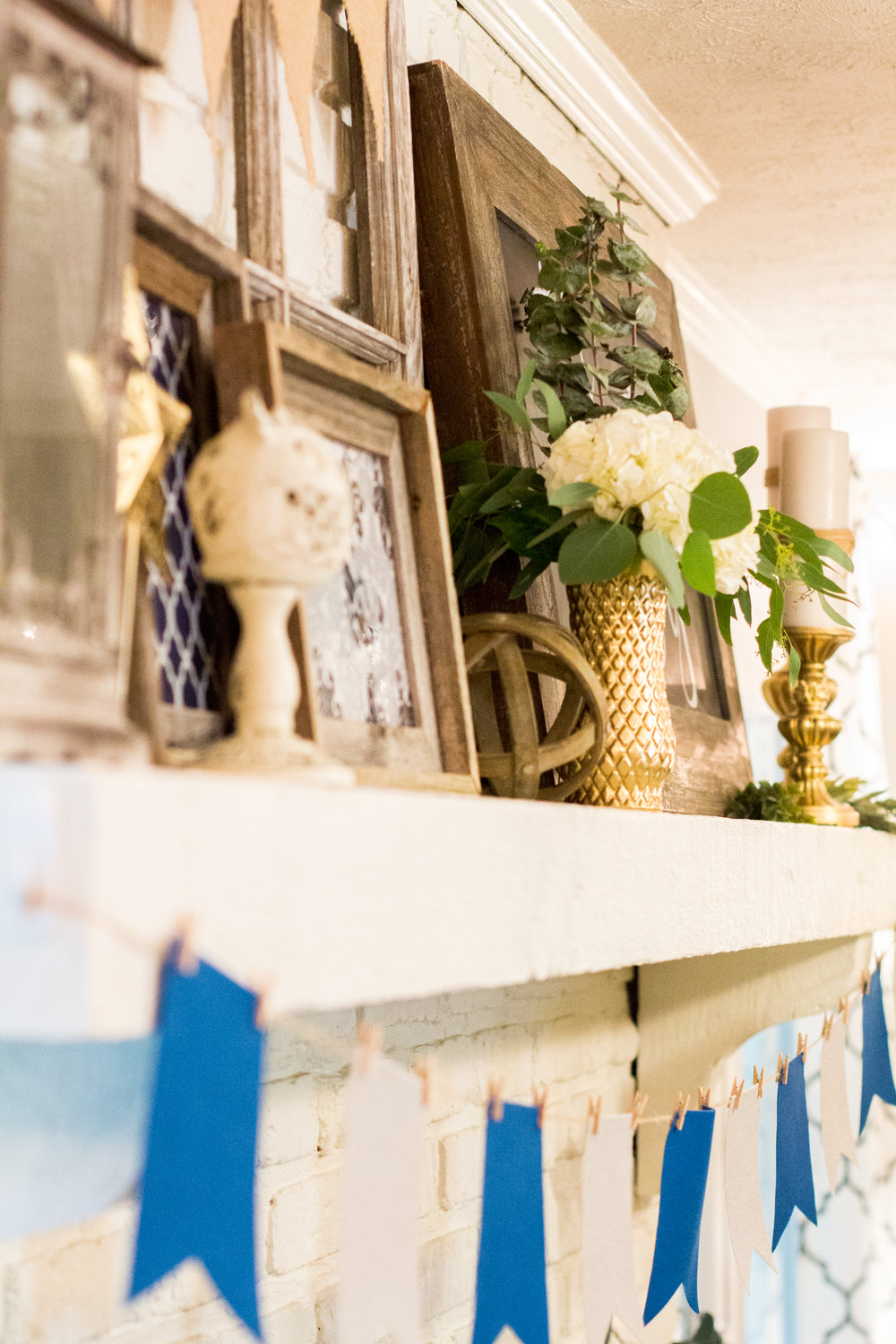 baby-shower-mantle-decor