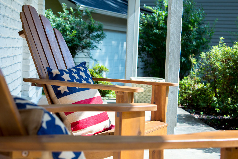 adirondack-chairs-flag-pillows
