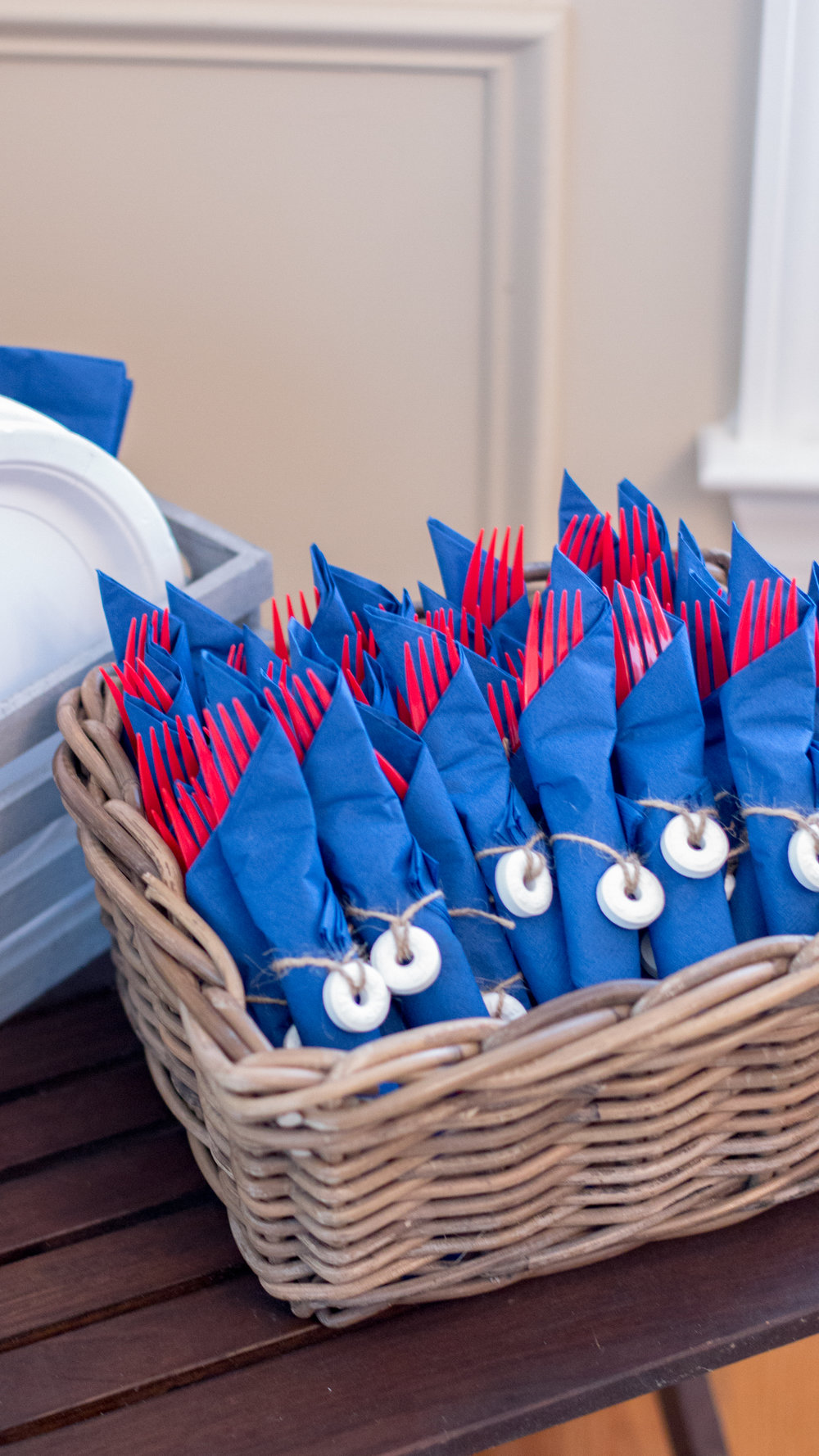 lifesaver-napkin-rings