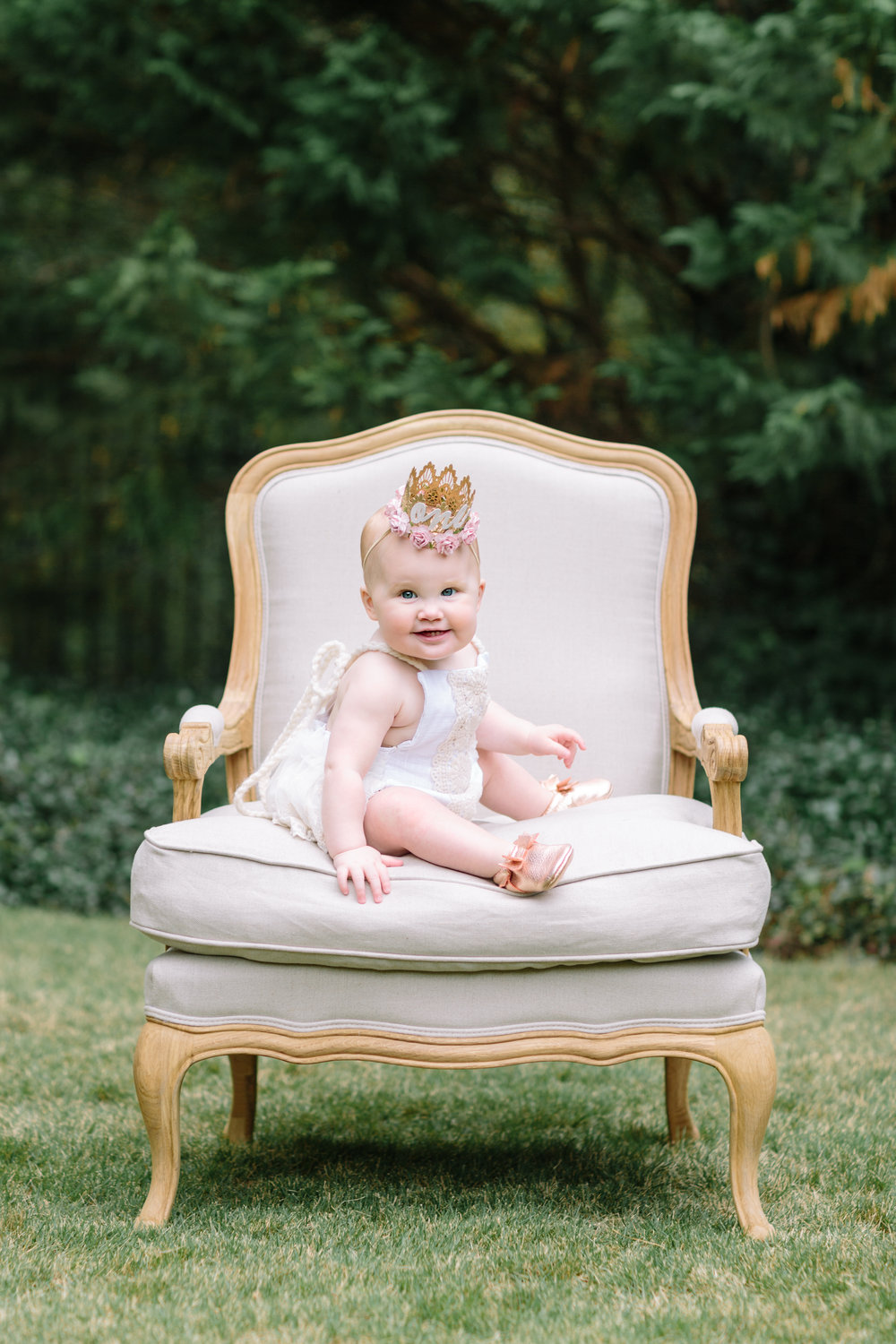 baby-vintage-chair-photo