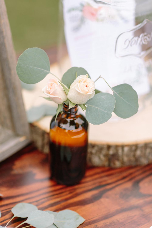 rose-bud-vase