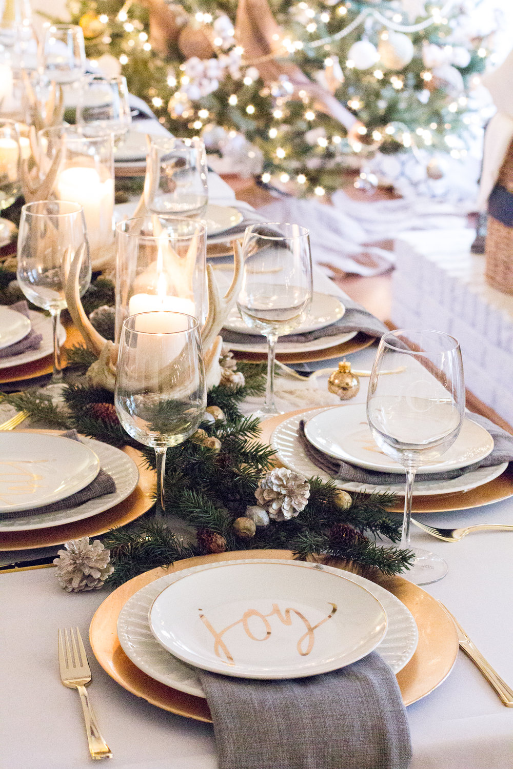 gold-white-christmas-decor