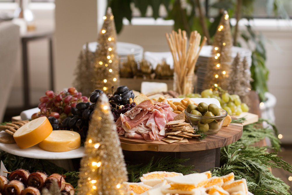 charcuterie-board-holiday-party