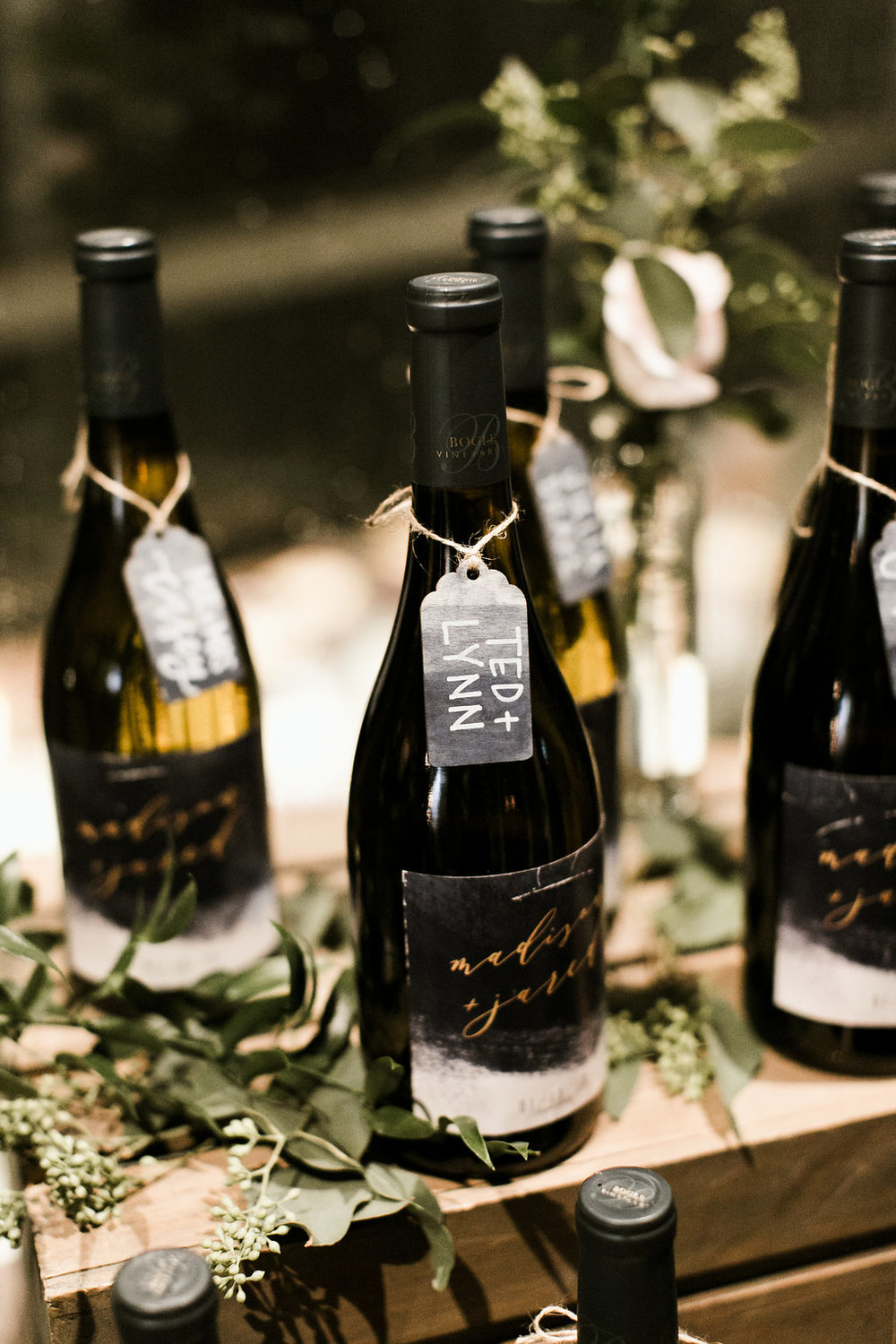 wine-bottle-favors