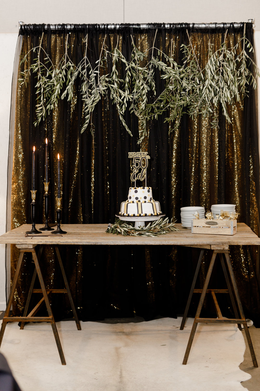 moody-glam-cake-table