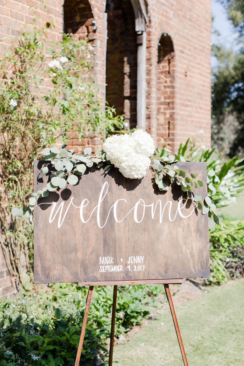 welcome-sign-wood
