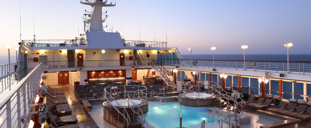 desire-cruise-pool-deck.jpg