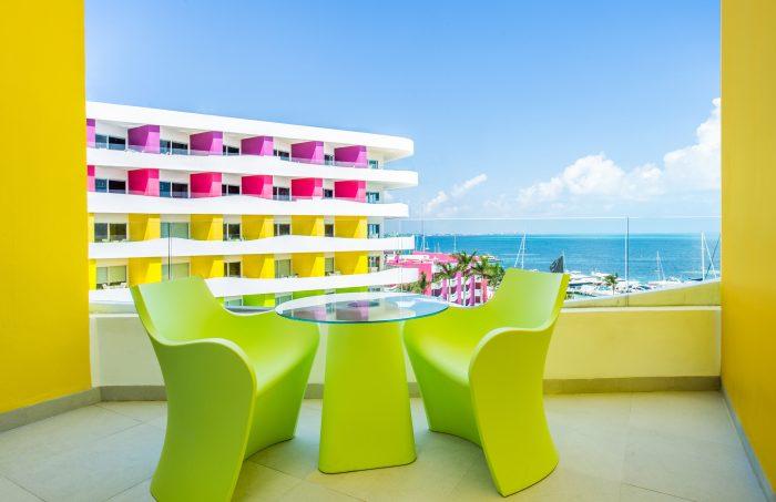bash-tower-ocean-view-room-balcony-700x453.jpg