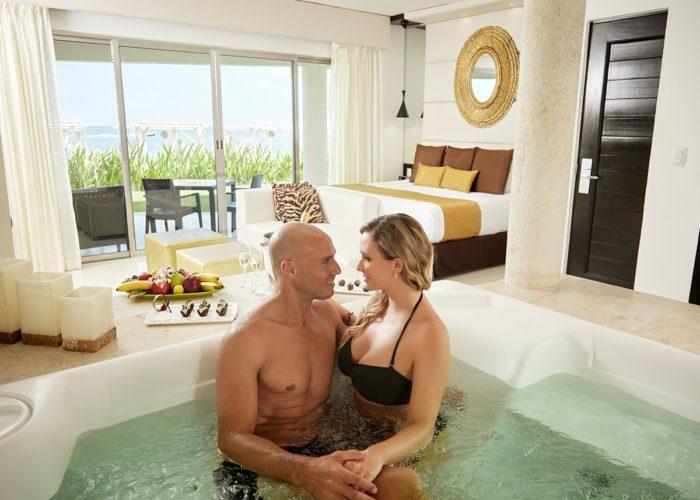 desire-riviera-passion-suite-love-00-1200x900-700x500.jpg