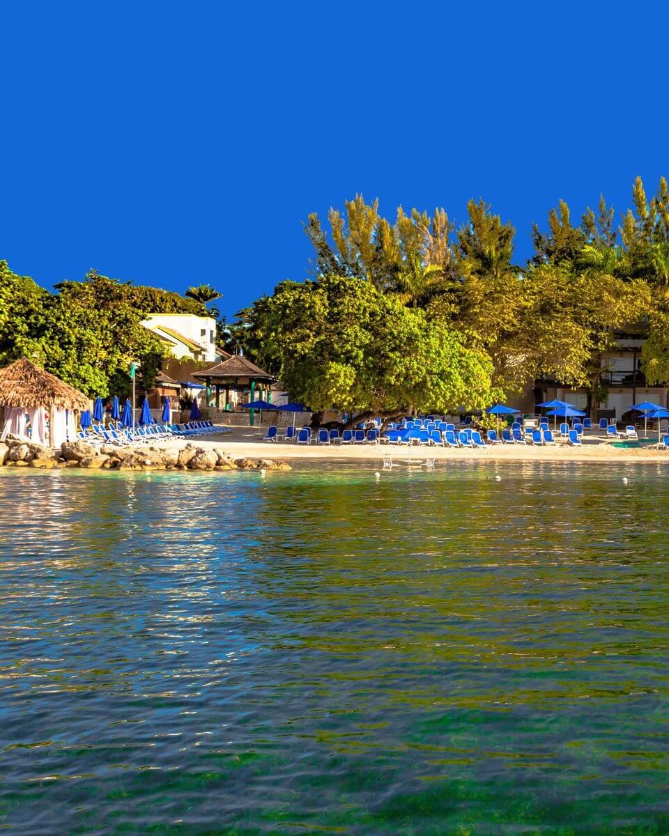 Hedo-Nude-Beach-From-The-Water-4-960x1200.jpg