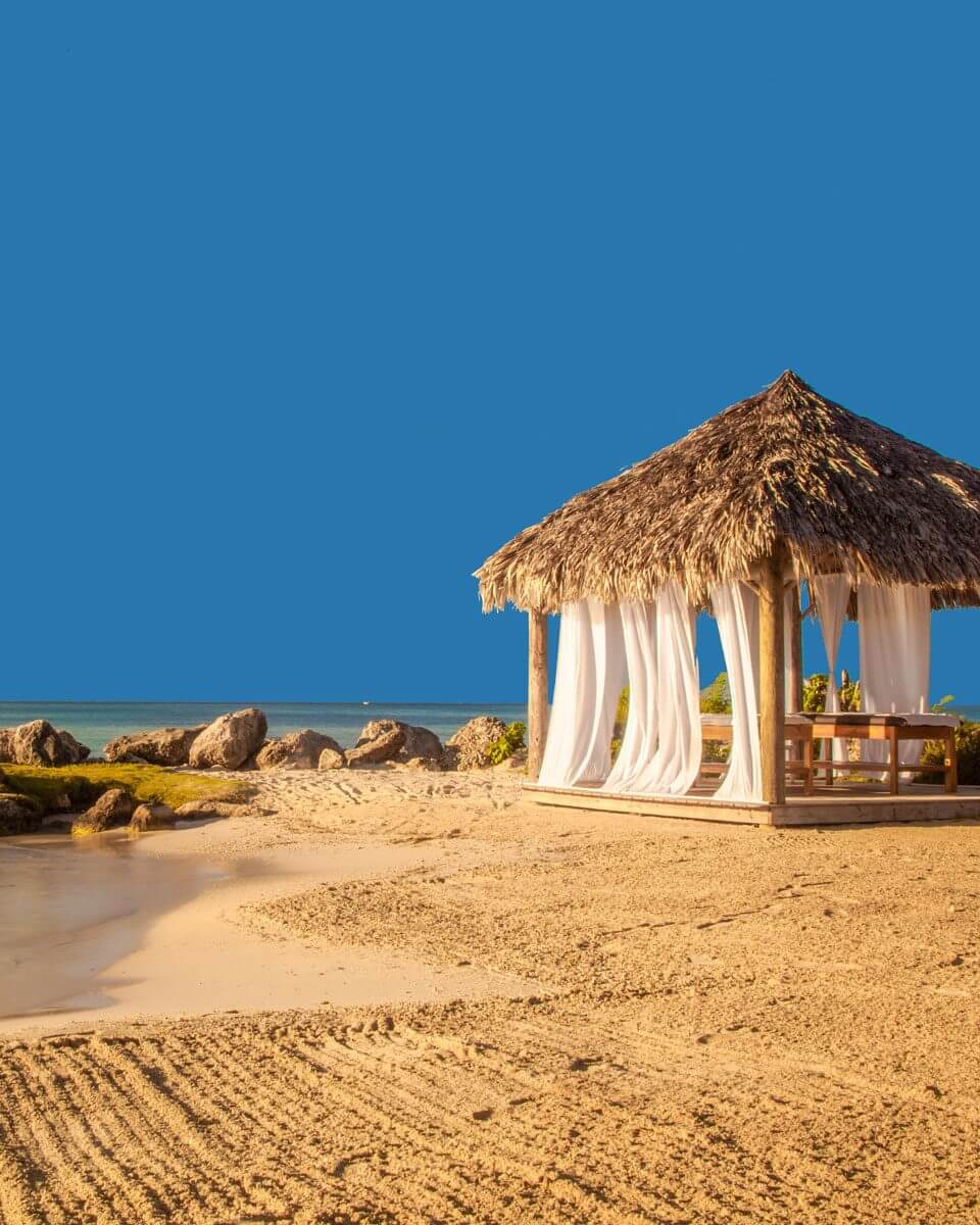 Hedo-Nude-Beach-Point-8-960x1200.jpg
