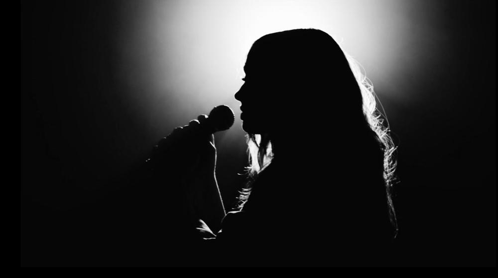 Solo Singer.jpg