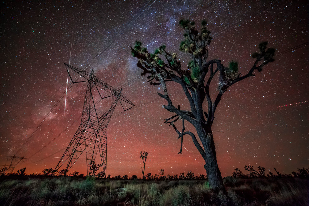 A Meteorite Explodes Over the Mojave in This  Incredible Timelapse Video