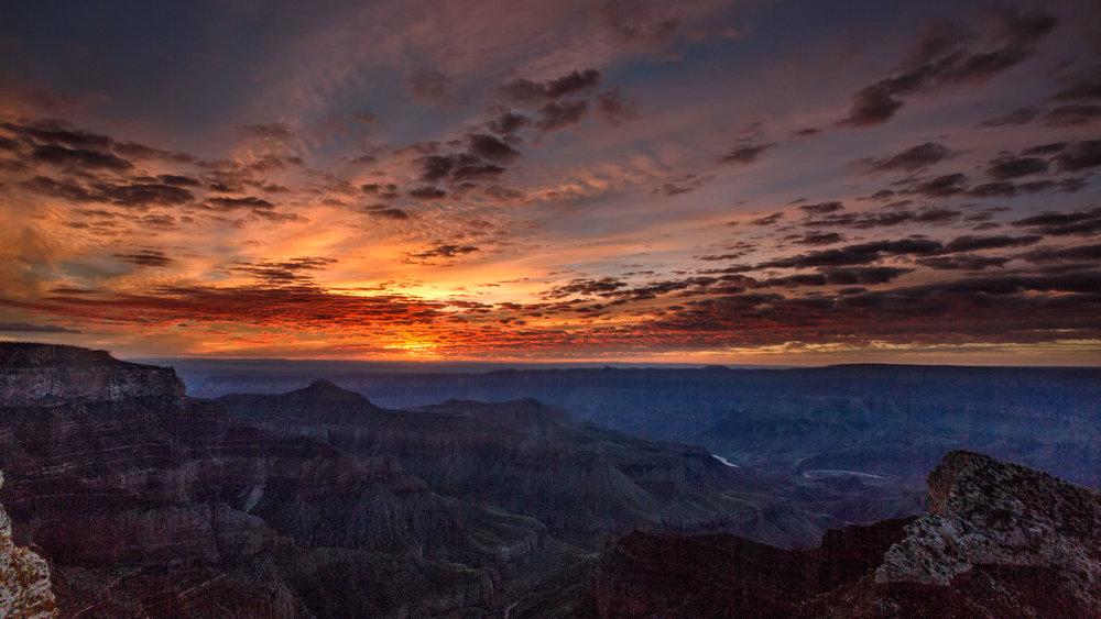 Amazing timelapse video shows rare phenomenon that makes clouds look like waves sweeping over Grand Canyon