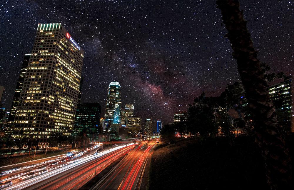 Time-Lapse Photographers Take Stargazing to the Edgeof Imagination