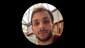 BENOIT CALVOSA COMMUNITY MANAGER Diplômé en Management de l'innovation,Benoit se passionne pour les nouvelles technologies. C'est lui qui organise les Afterworks et les Community lunches et sera toujours disponible pour discuter autour d'un café et répondre à vos demandes plus vite que son ombre.