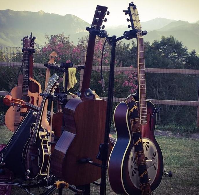 french-and-fahey-destination-wedding-france-band-music.jpg