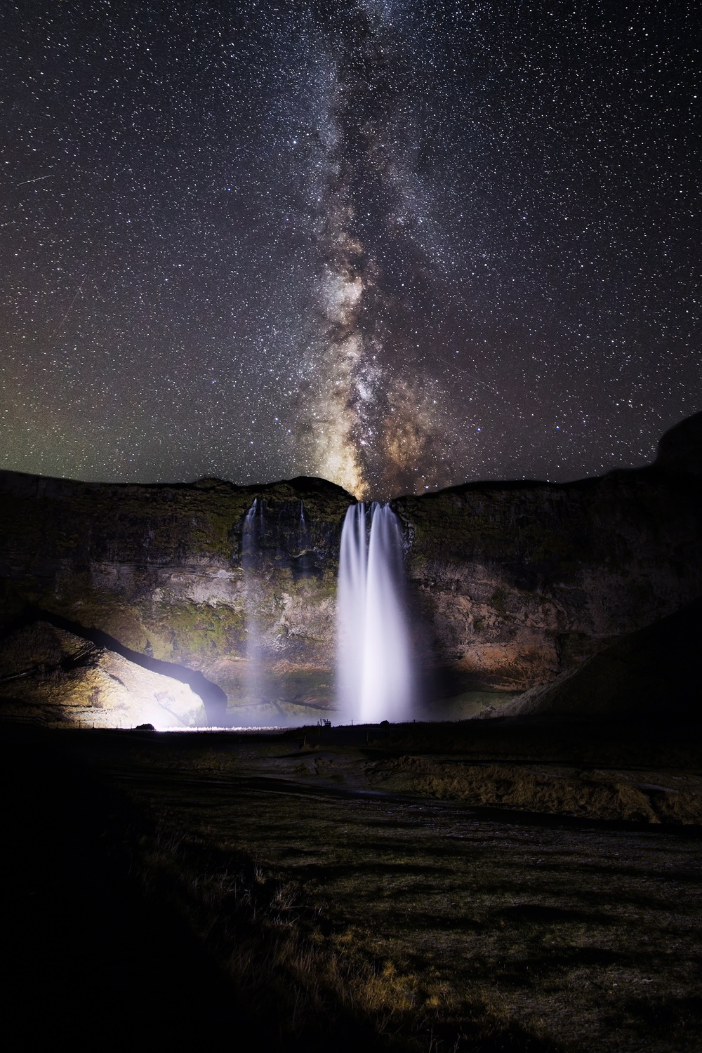 Waterfall-at-night.jpg