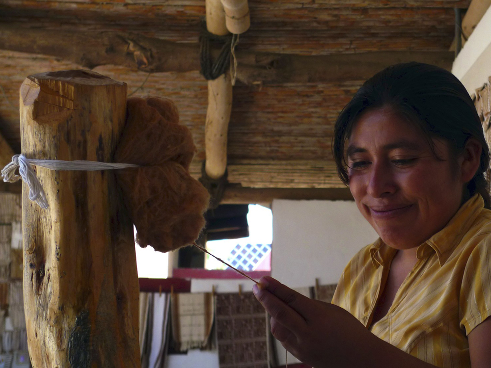 WE ARE PROUD TO WORK WITH A SMALL ASSOCIATION OF WOMEN MASTER-WEAVERS LOCATED IN LAMBAYEQUE, PERU.