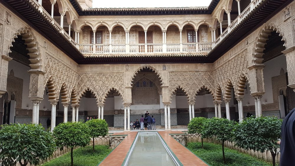 Another beautiful courtyard in the Alcázar