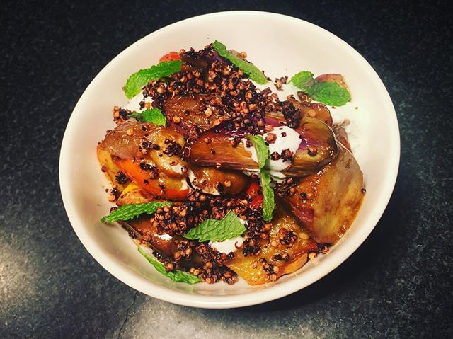 Market eggplant , tamarind balsamic vinaigrette , like yogurt , mint #yummy #eggplant #quinoa #happy #flavor