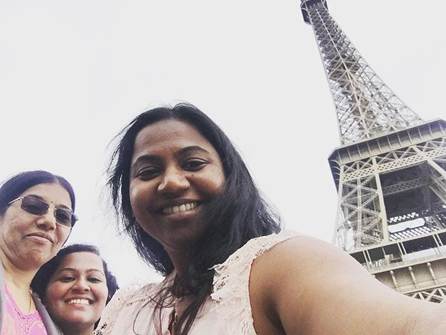 Avec mama et ma cousin #merci #paris #eiffeltower #happy