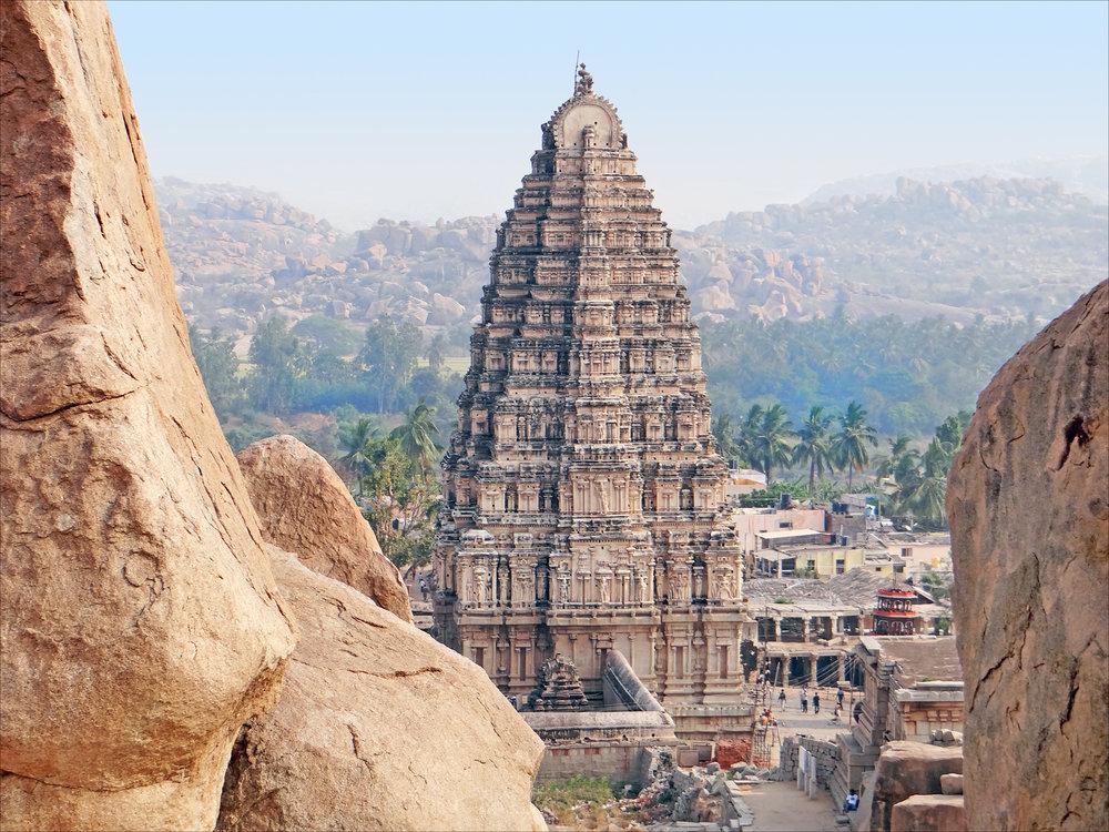 1_Virupaksha_temple_Gopuram_Hampi_Vijayanagar_India.jpg