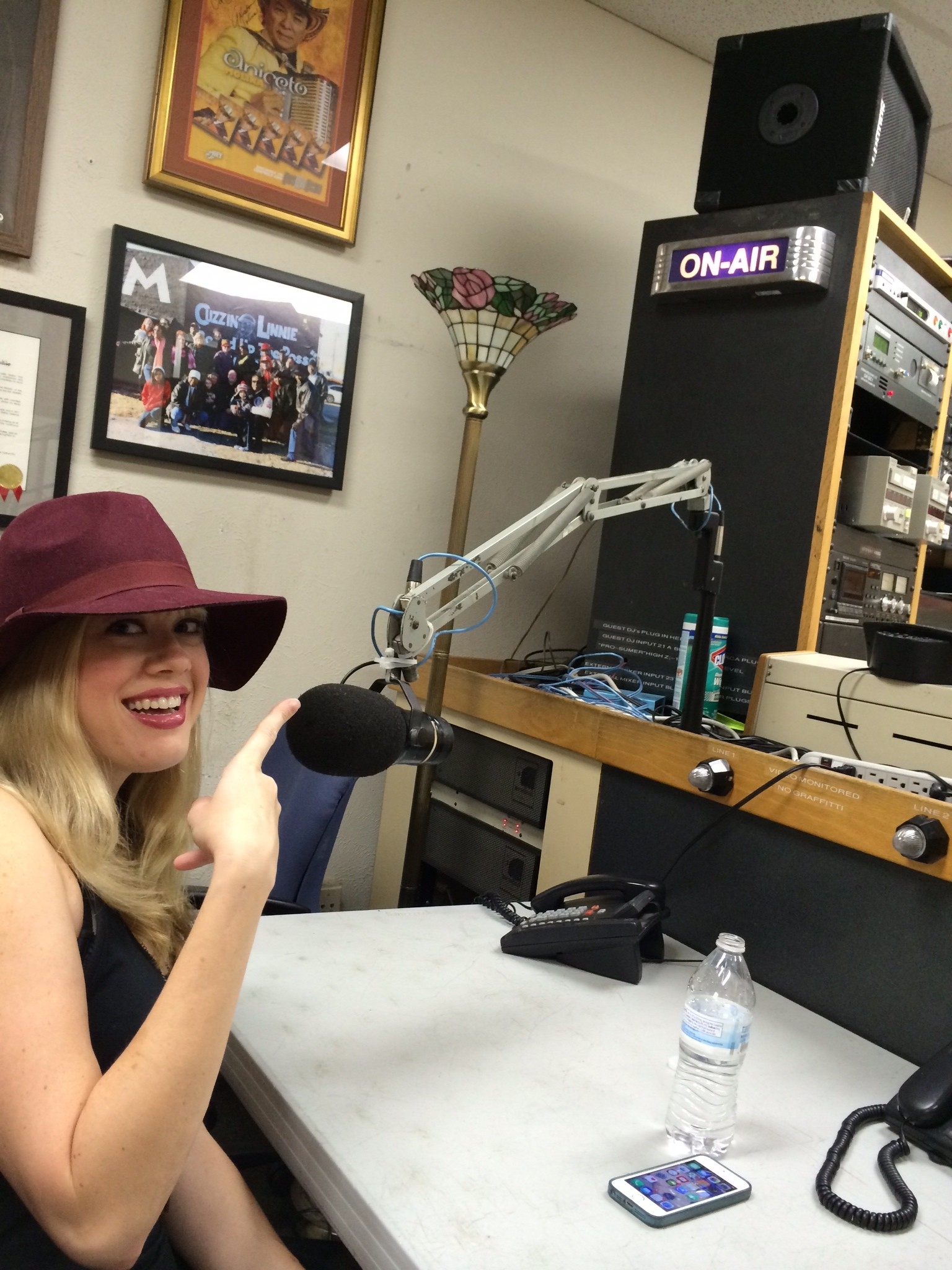 Sarah Sellers KNON Tuesday Morning Blend with Nil