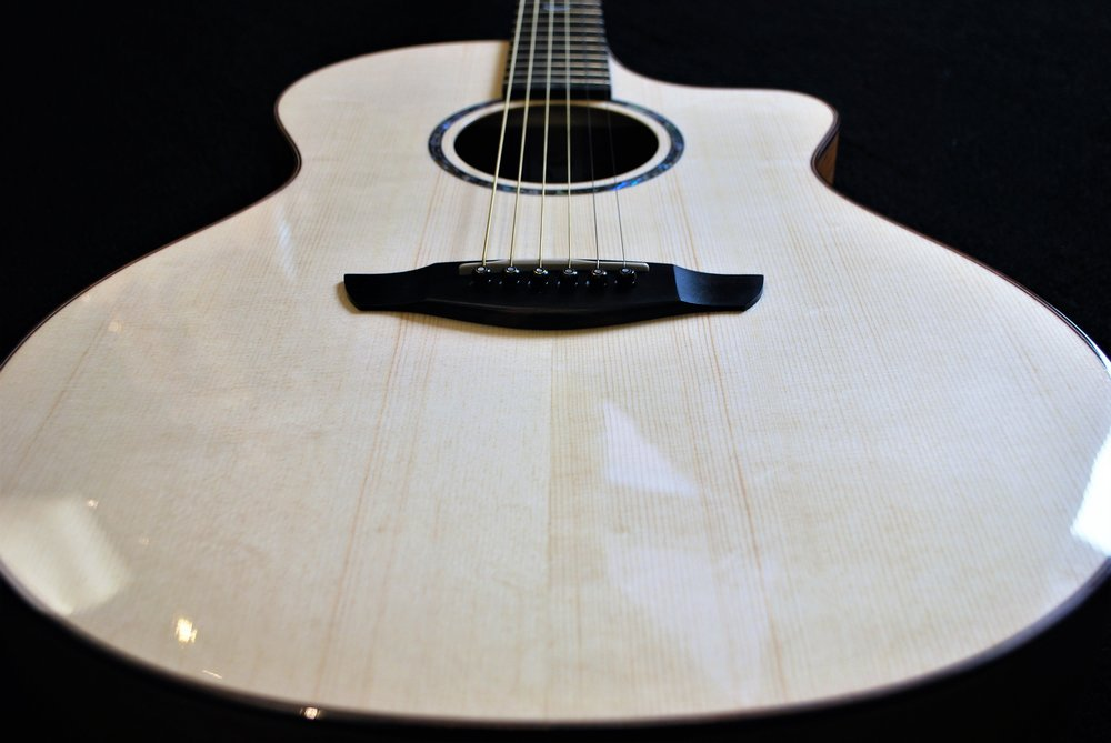 Crescendo is extremely proud to now offer Faith guitars! These entirely solid acoustics have an incredibly lush, full tone.