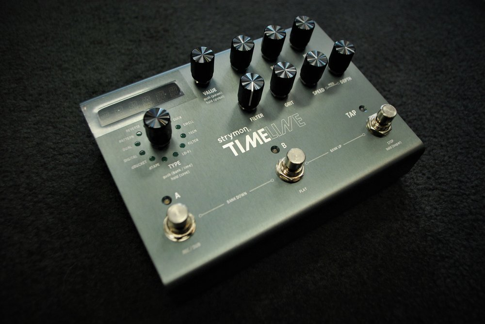 Packed with twelve different delay machines, the TimeLine delivers delays from crystalline ice delays to dark and fuzzy analog repeats.