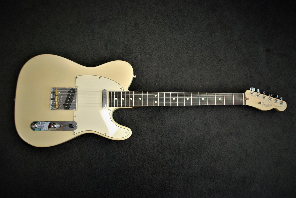 This used Fender Highway One not only catches the eye, but satisfies even the pickiest player!
