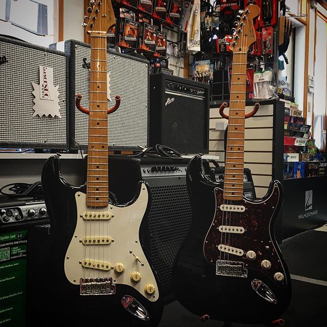 JUST IN: Two gorgeous @fender Strats. Which one would you choose? 🎸 🎸 🎸 #fender #stratocaster #strat #guitar #guitarist #music #musician #gear #used